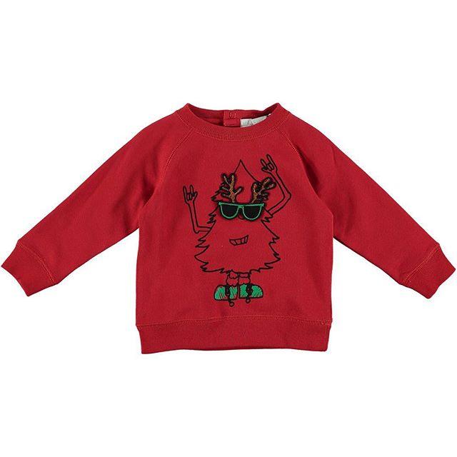 Final run for Christmas shopping! Search our website for Christmas looks 🤘🎄 #christmastree #christmas #christmaslovers #christmastime #kids #kidsfashion #stellamccartney #christmasjumper #cartoon #rockon #cloudo #cloudouk #cloudokids #christmas🎄