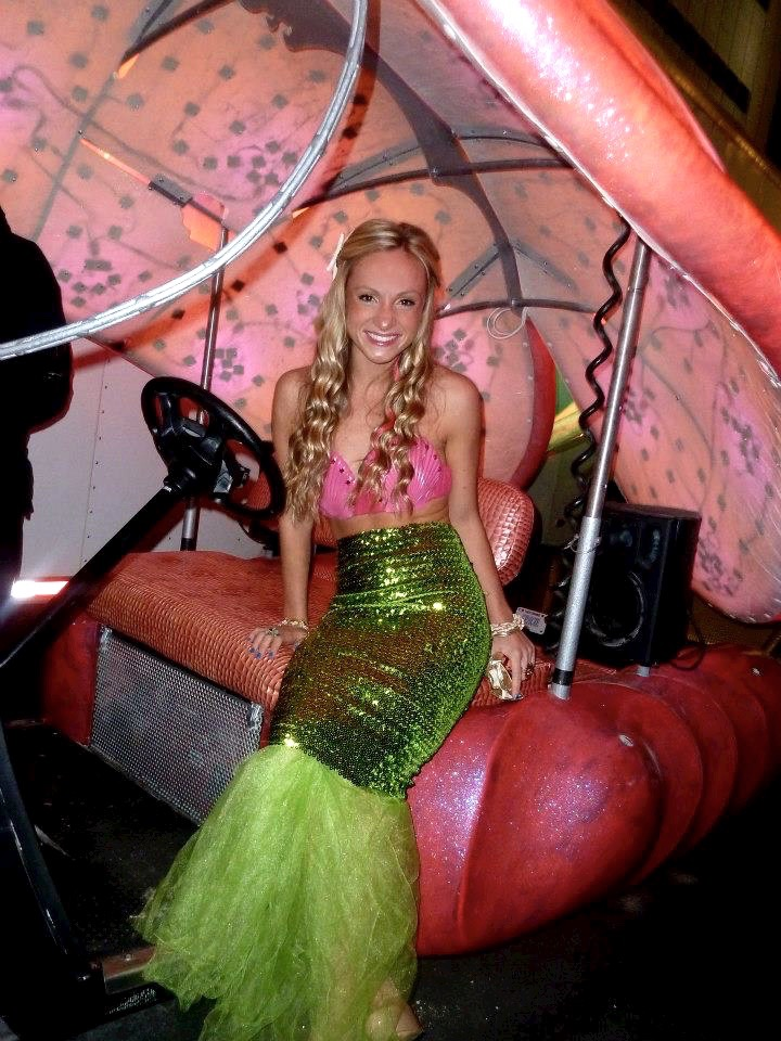 The halloween edition five diy costumes ideas i think therefore mermaid costume diy solutioingenieria Image collections
