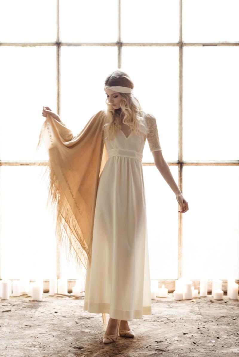1970s high neck wedding dress