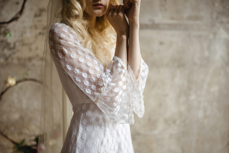 1970s lace sleeve wedding dress boho bohemian alternative bridall