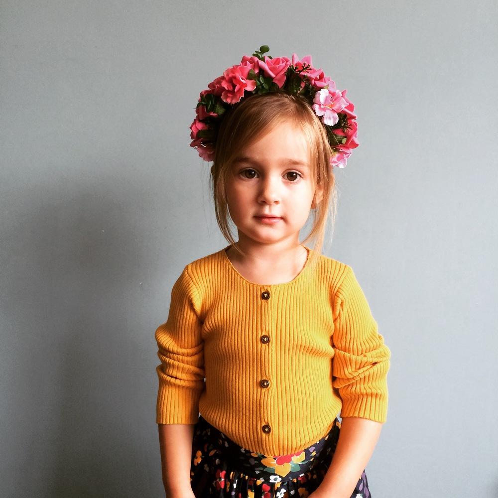 Flower crown fo a flower girl. FRIDA CROWN.
