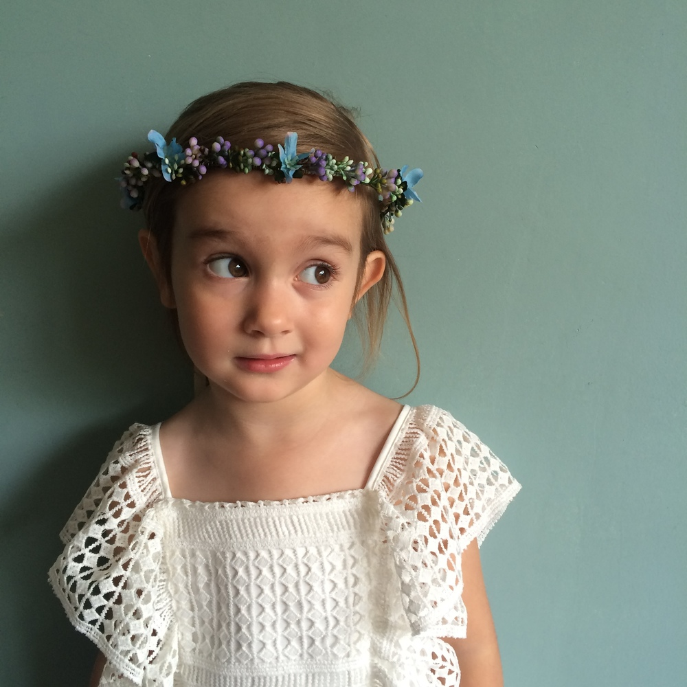 small blue purple flower crown, cool boho flower girls ideas ireland