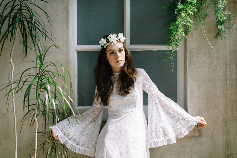 1970s bohemian inspired bridal editorial. botanical and green wedding inspo