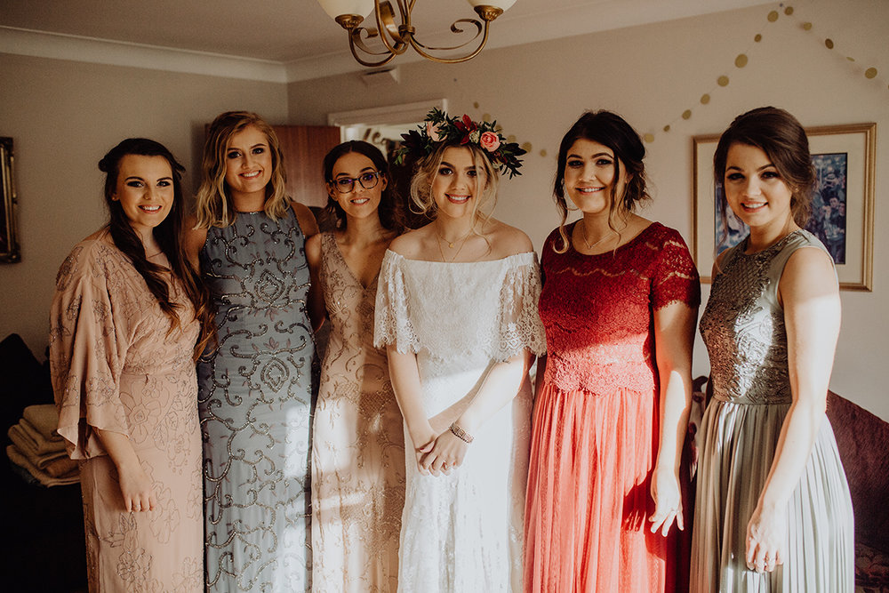 irish bride wearing daughters of simone laurence dress