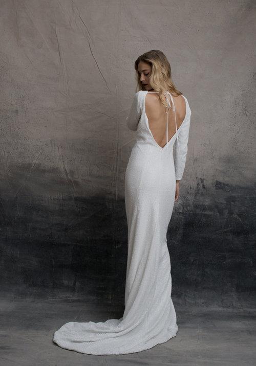 a674aafeea2 5 ways to wear a bra with a backless wedding dress — A R C H I V E 1 2