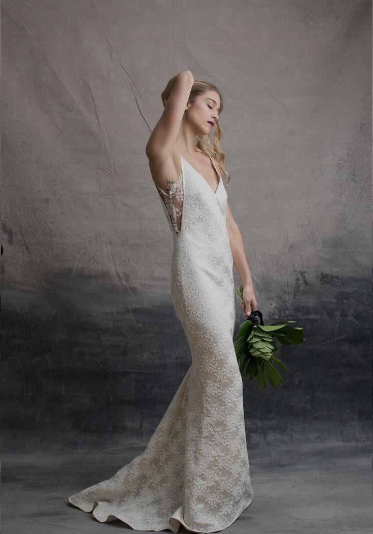 Archive 12 modern bridal sample sale