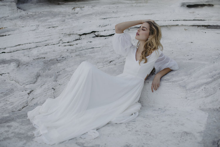RELAXED MODERN BOHO WEDDING DRESS
