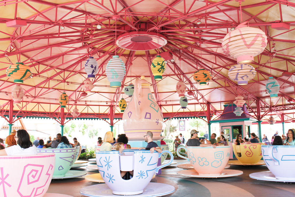 The Teacups happened to be pretty much all of the kids favorite rides which was fine by me because I love theming and the color of the teacups!