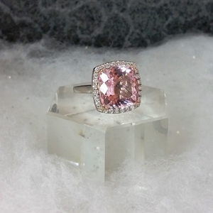 Morganite+Ring+on+Platform+in+the+Snow2.jpg
