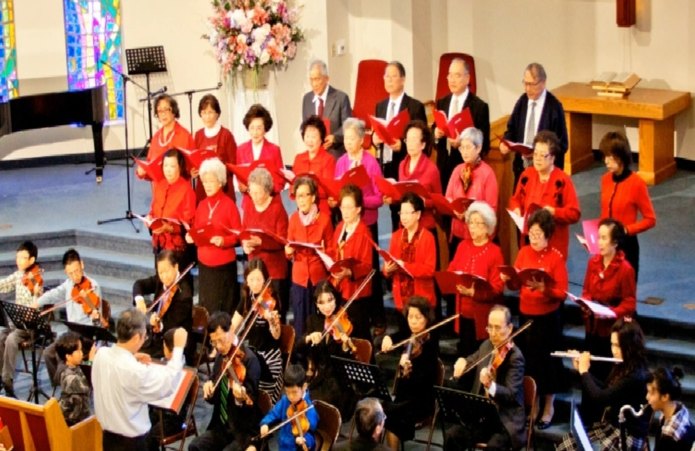 迦勒團契獻唱與管弦樂團