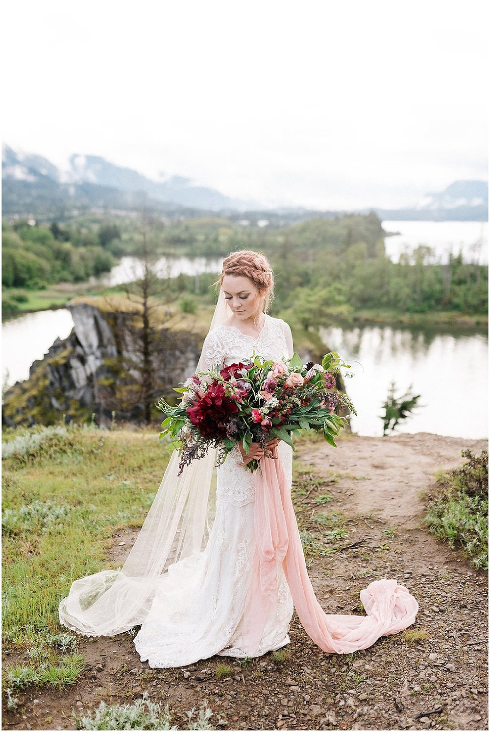 bridal bouquet in the gorge