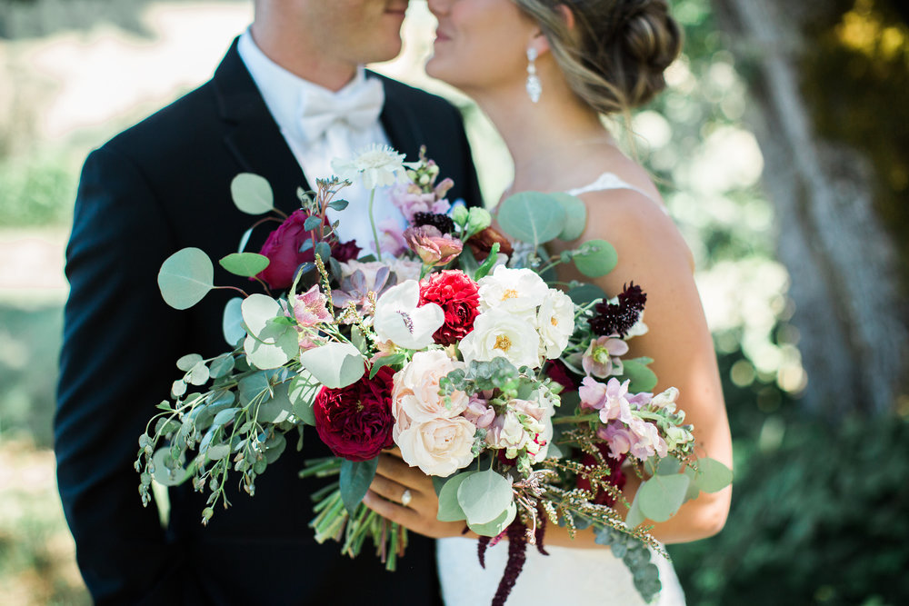 color theory for wedding bouquets
