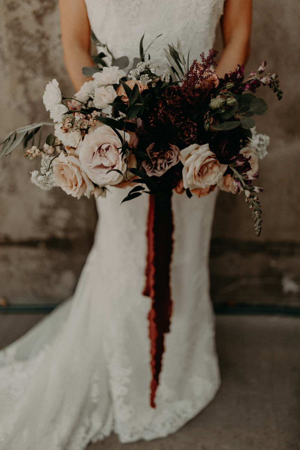 large blush roses in bridal bouquet