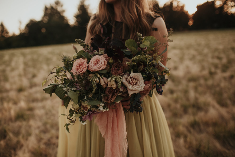 blush tones in wedding bouquet