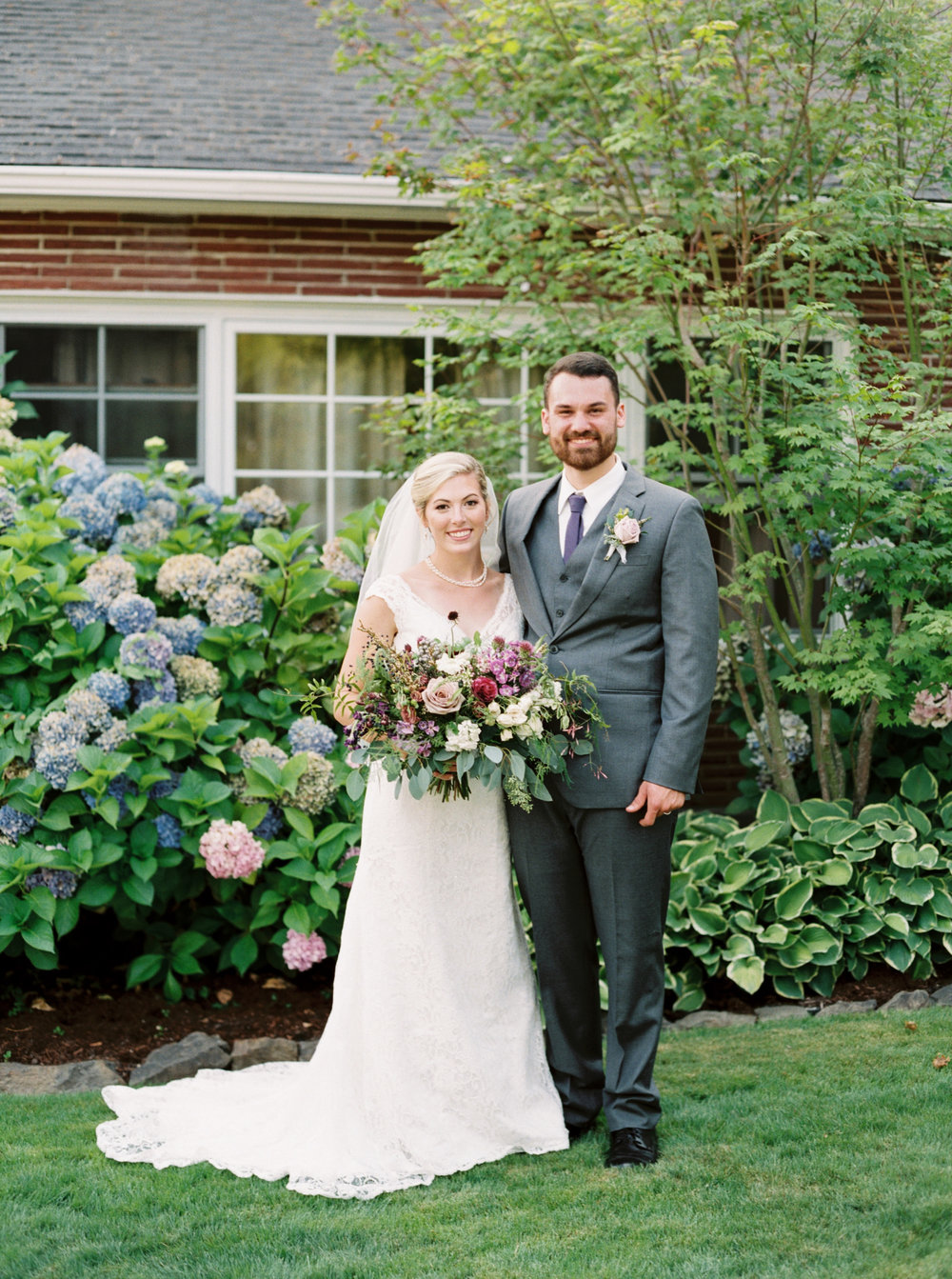 Ivy and Gold Photography//Backyard Wedding