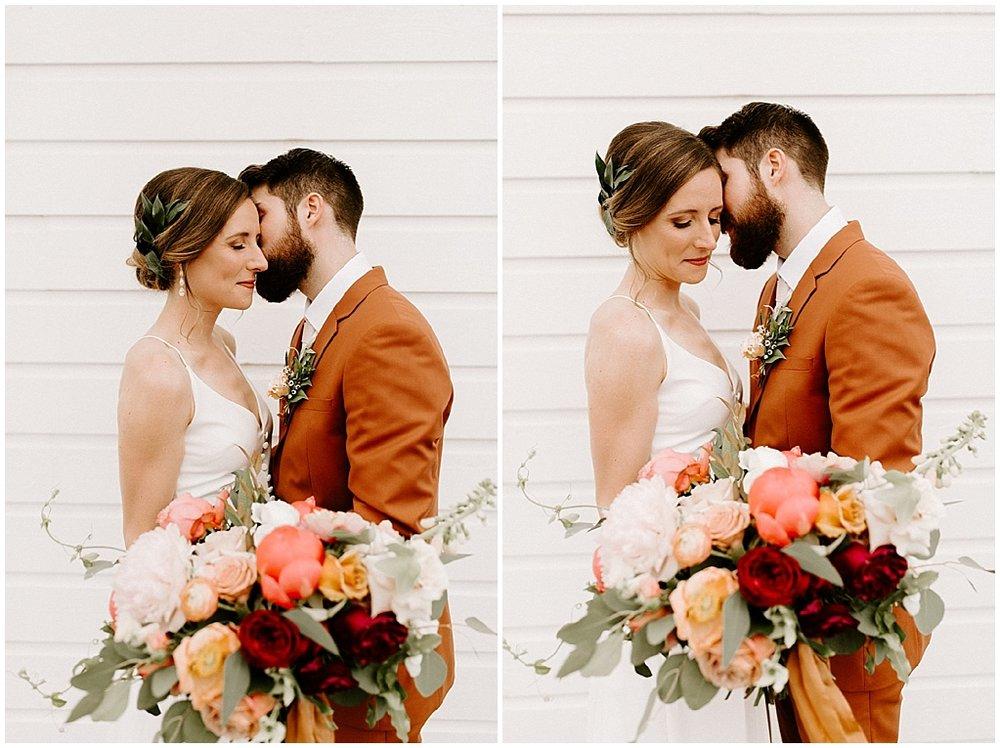 modern rustic bridal bouquet