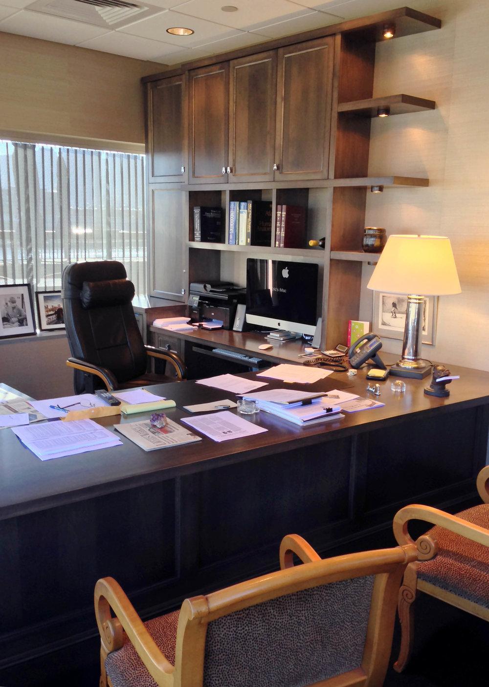 Honore-Cabinetry-custom-built-in-office-desk-bookcase-shelves-detail1.jpg