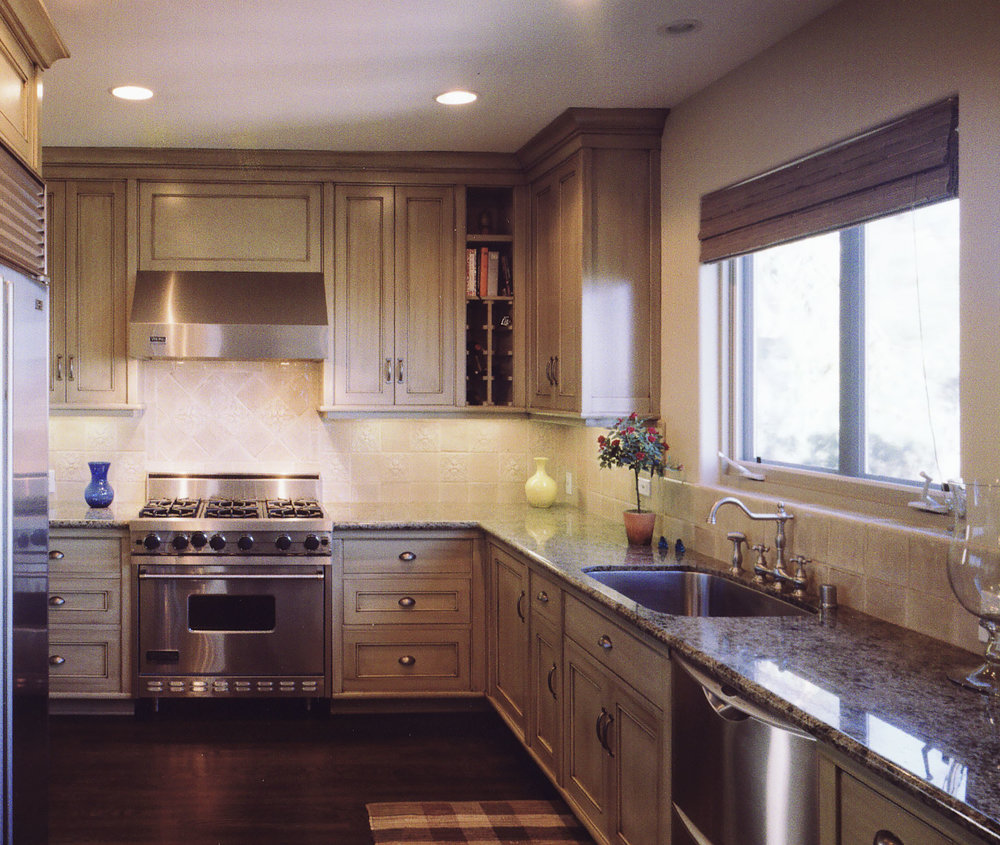 Honore-Cabinetry-custom-kitchen-painted2.jpg