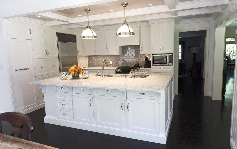 Honore-Cabinetry-custom-kitchen-contemporary-traditional-painted-coffered-ceiling-full.jpg
