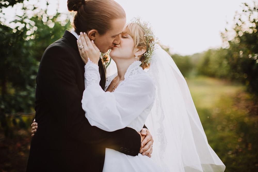 valley crest farm wedding / orchard wedding photography / farm wedding photography
