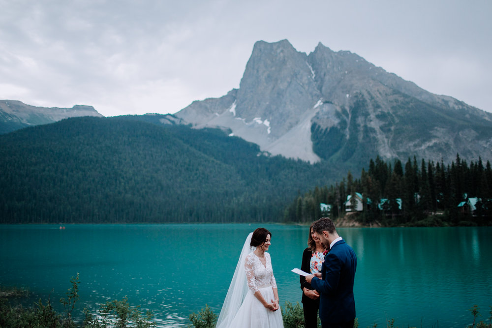 banff-elopement-060.jpg