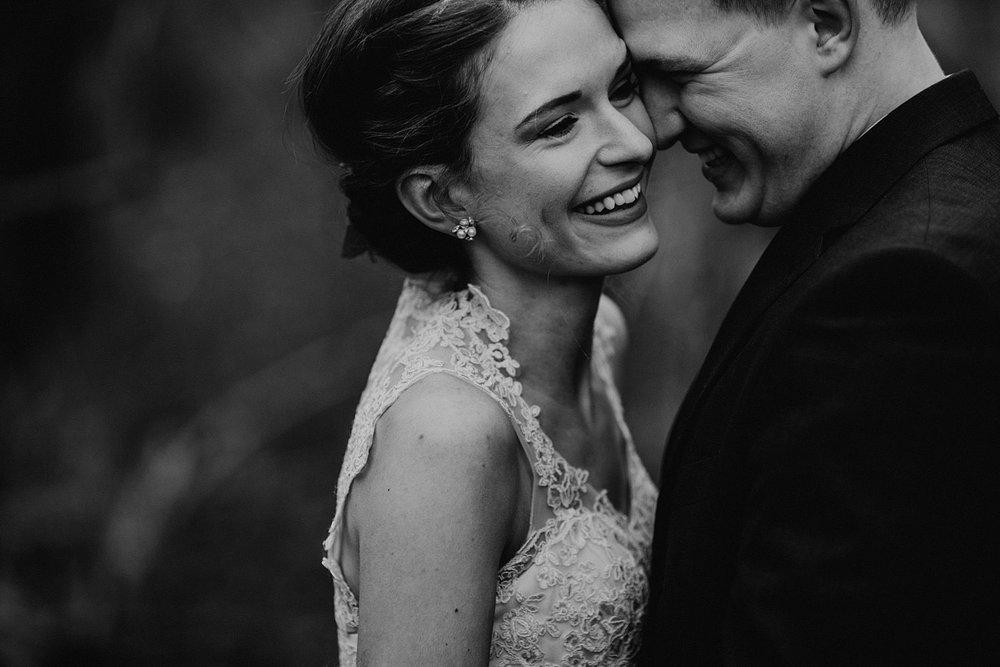 woodsey-elopement-_031.jpg