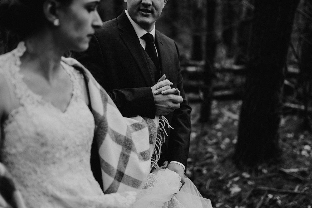 woodsey-elopement-_032.jpg