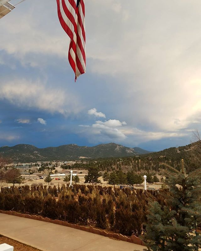 A view from the famous #thestanleyhotel hotel with the weather rolling in... #estespark #COmountains #wineandfireplace