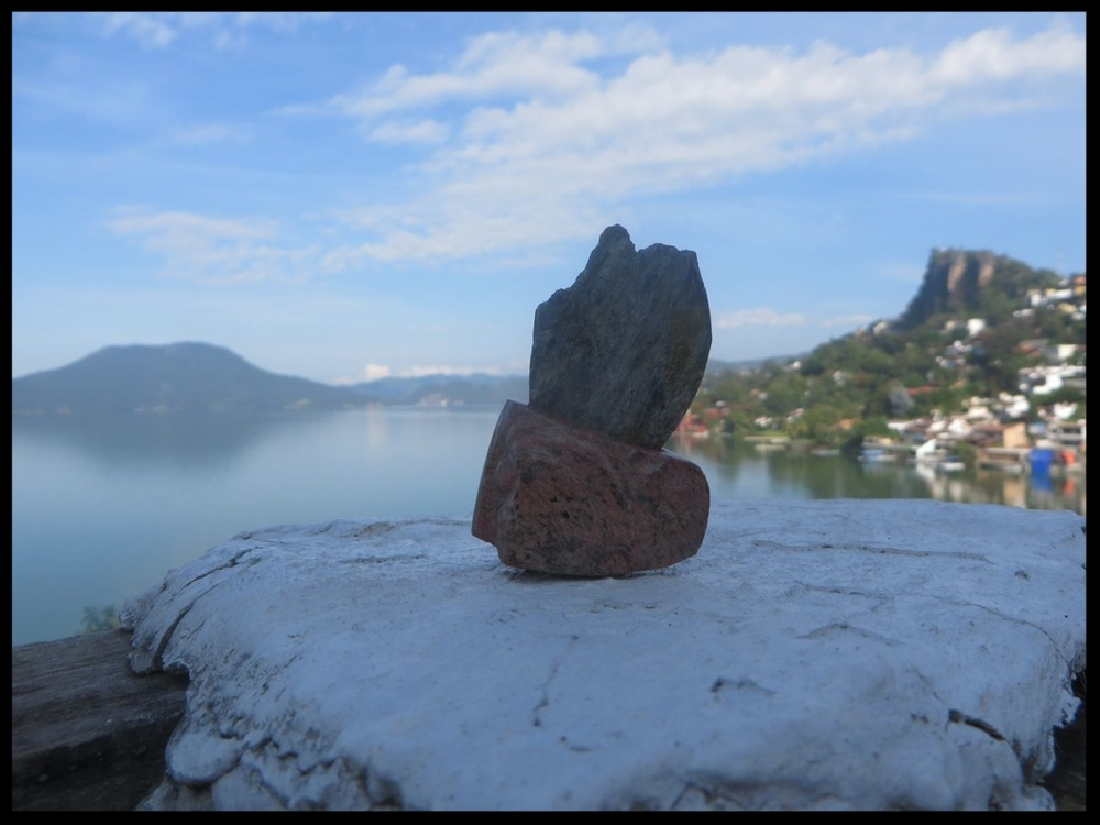 Robin Primavera and Tobacco Leaf Fin's Lakefront View, Valle de Bravo, México, in October 2015 by AR