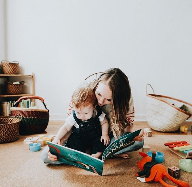 One of our other favorites is Hailey (householdmag) -- who uses her  market basket  for the playroom and the her  palm shopper  to keep blankets in for picnics and the beach!!