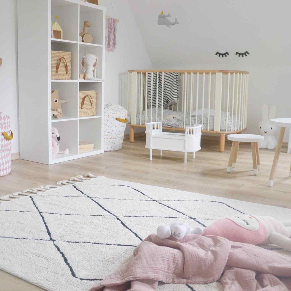 motherly%2F2017-12%2F455bc812-8967-4ddb-8383-234ed42736ee%2FLorena canals rug 1.jpg