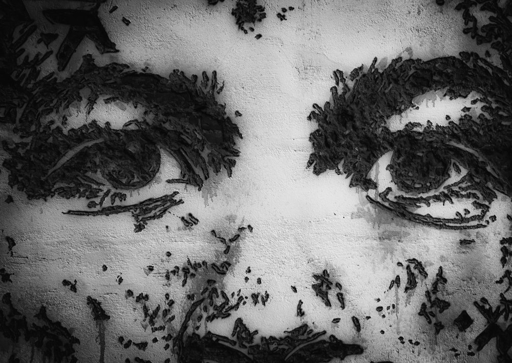 - Art By: @vhils