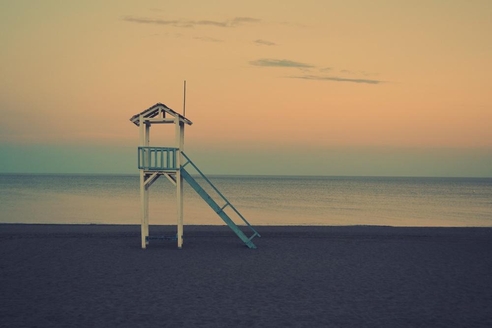 Beach Image with lifeguard station.jpg