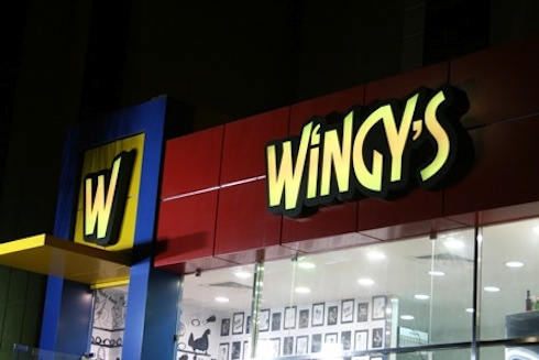 Visualeyes_Wingys_Logo_Design_Kuwait.jpg