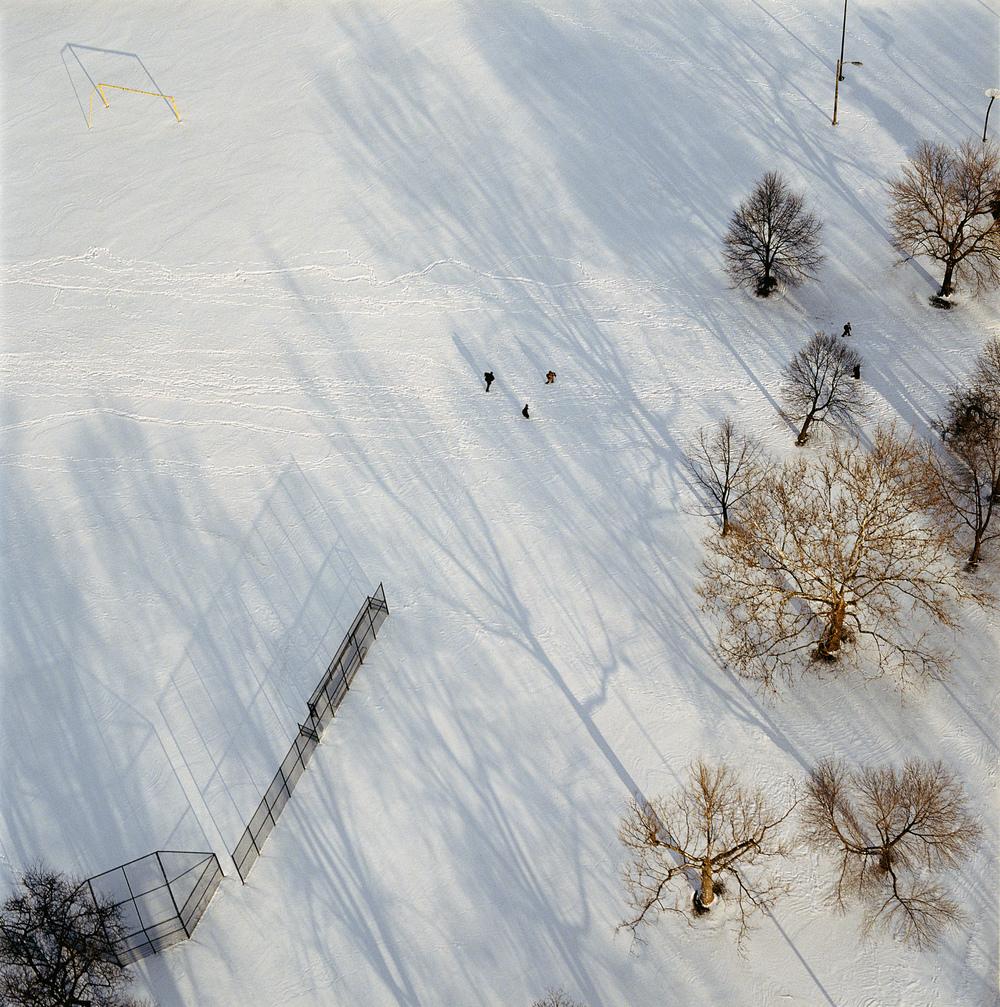 73-97.1_29_04.snow_kids.jpg