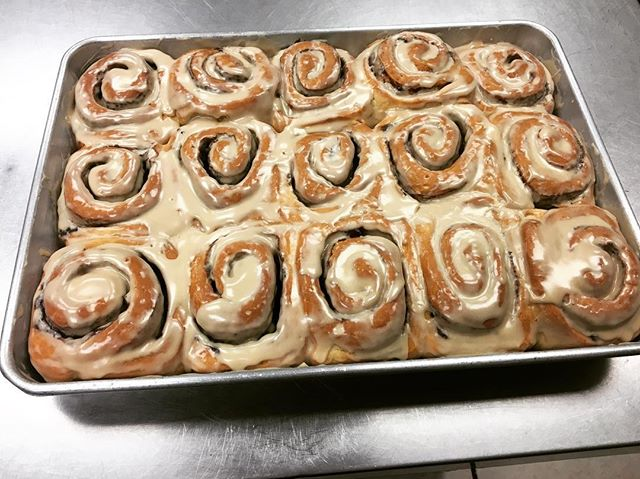 Back for today, our maple frosted cinnamon rolls!! You don't want to miss out on this deliciousness!! #maplecinnamonrolls #maple #yummy