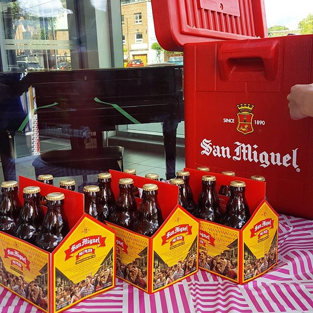 Enjoy a bottle of @sanmiguelcanada at our Beer Patio 🍻 Don't forget to take a photo with your drink and #SanMigSelfie for a chance to win awesome San Mig beer! Winners will be announced 6PM on the @sanmiguelcanada page ✨