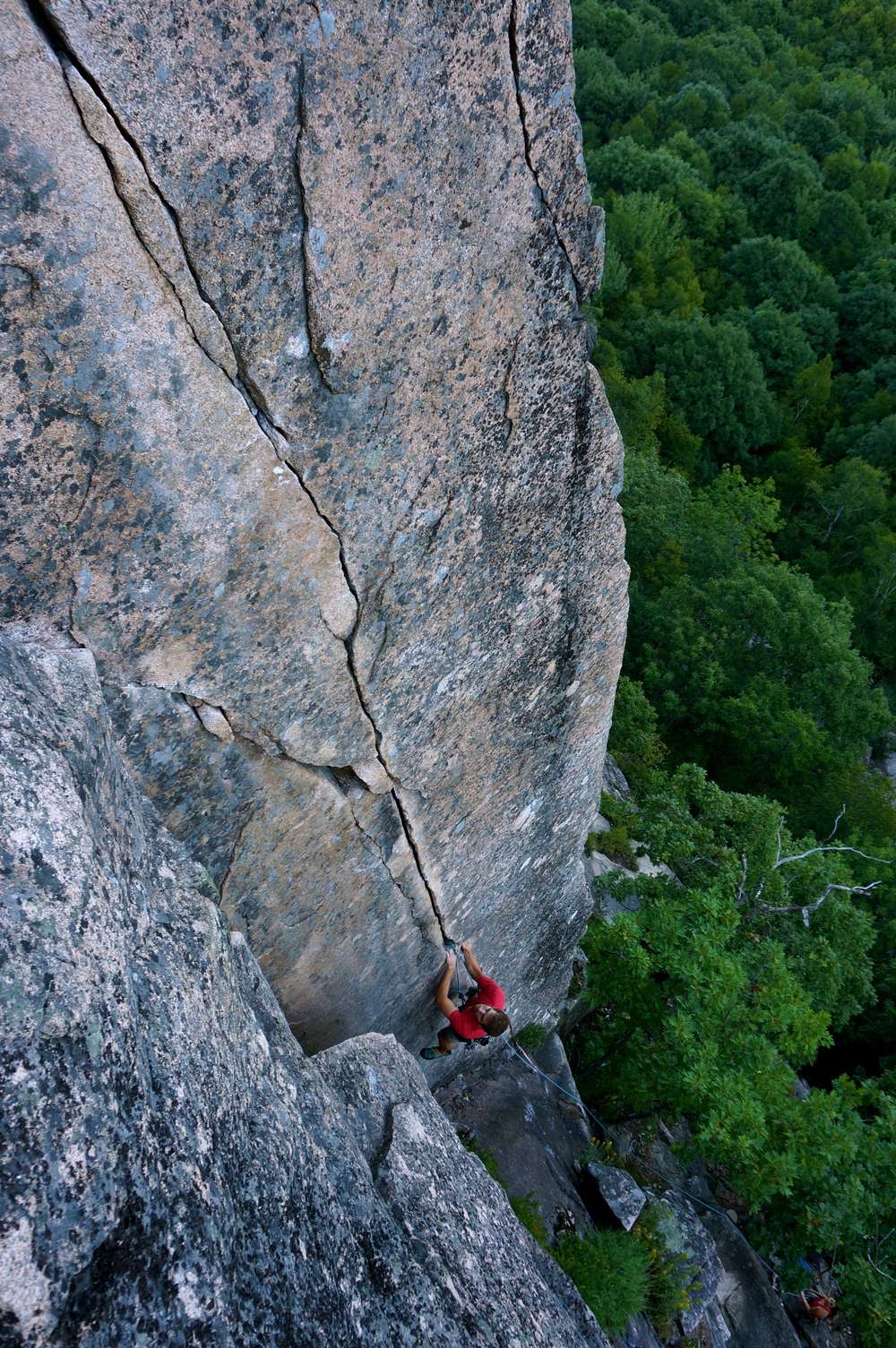 Seth Pettit on Emigrant Crack (5.10b).