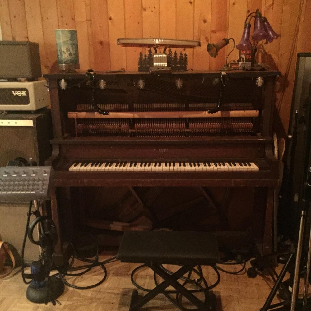 Live Room - Piano