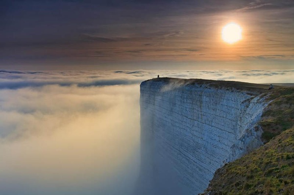 Chalk Sea Cliff in Britain.jpg