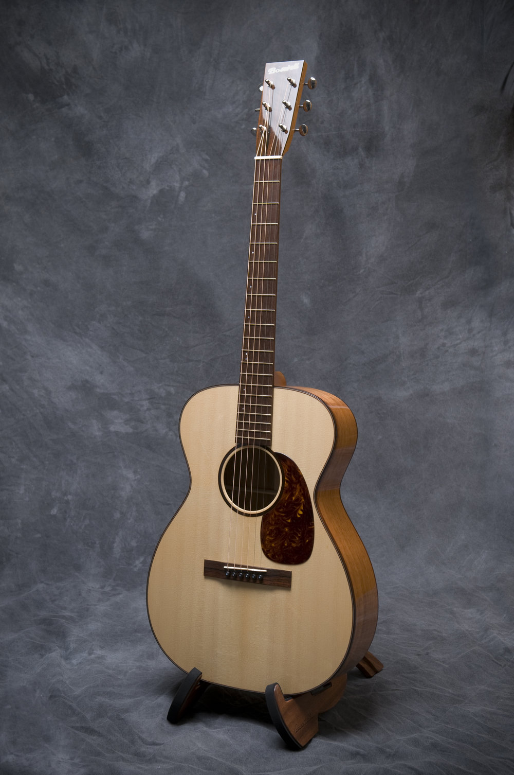 The Boswell 00-14 reviewed in the March issue of Acoustic Guitar Magazine.  Click the link below to read the review, and watch the video.