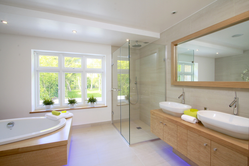 Moreton Hse - Bath.jpg