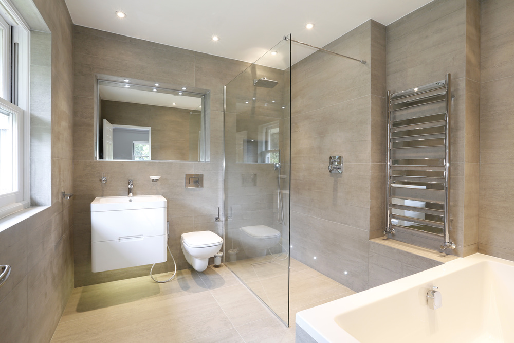 Coombe Ridings 11 - Bath2.jpg