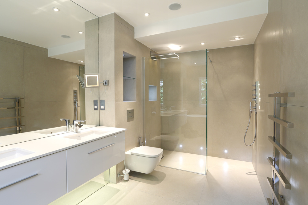 Coombe Ridings 11 - En-suite shower.jpg