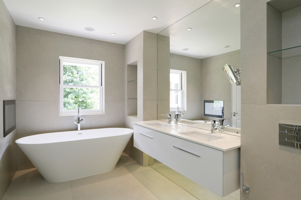 Coombe Ridings 11 - En-suite.jpg