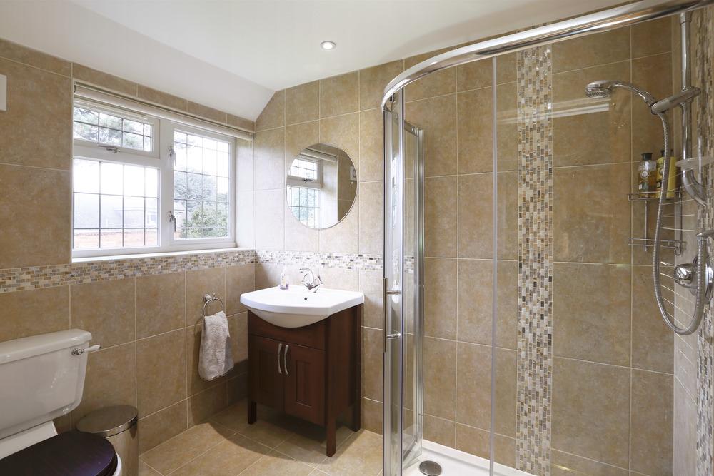 Wall Garth - Guest Shower.jpg