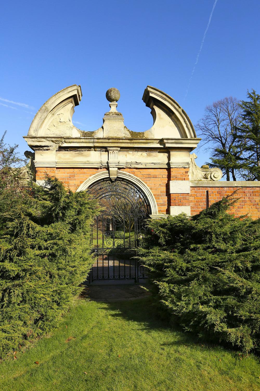 Newnham - Gates.jpg