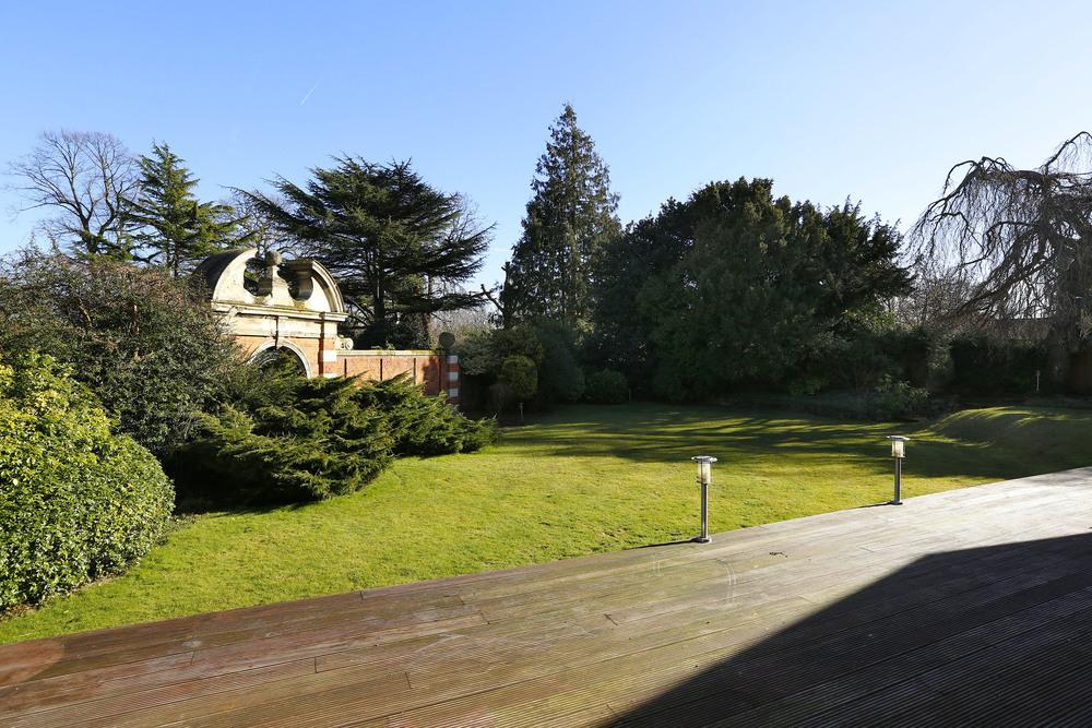 Newnham - Terrace.jpg