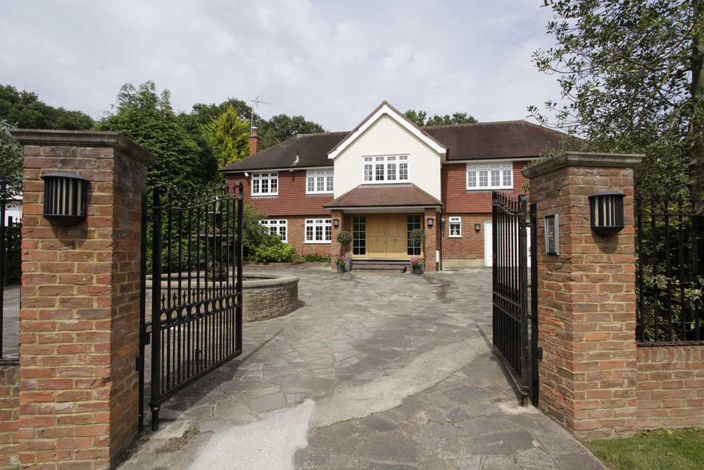 Thornley - Gates - Front Ext.jpg