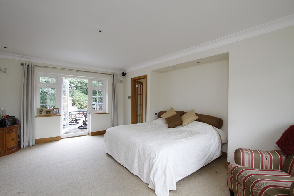 Thornley - Bed - Roof Tce.jpg
